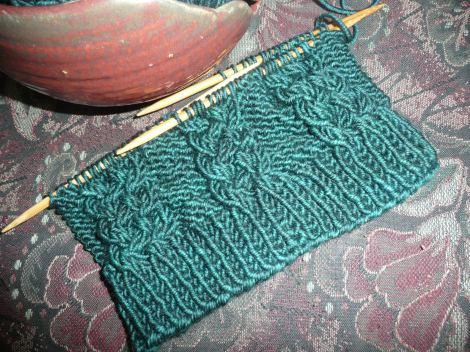 Jan2913 kal hat and sox yarn hat 003