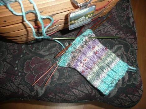 Jan2913 kal hat and sox yarn hat 004