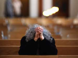 3-woman-praying-at-church1